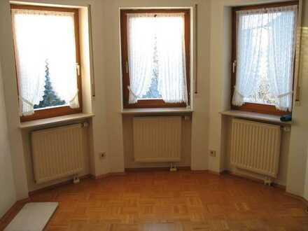 Helle ruhige 4 Zimmer Wohnung in 78073 Bad Dürrheim nähe Salinensee in 2-Fam.-Haus