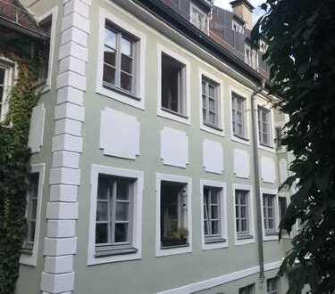 2 Zimmer Wohnung in denkmalgeschütztem Haus in der Augsburger Altstadt