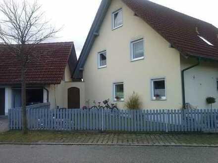 Schöne DHH mit fünf Zimmern im Landkreis Landshut, Wörth a. d. Isar
