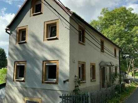 Kleines sanierungsbedürftiges Haus mit Garten