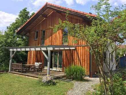 Moderne Villa in München/Neubiberg: 7 Zimmer, großer Garten, teilmöbliert, EBK