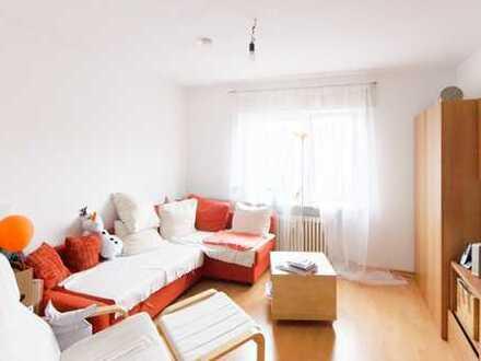 Schöne - helle und großzügige 2 ZW im 3.OG in beliebter Wohnlage, sonniger Balkon zum Hof.