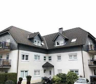 2 Zimmer Dachgeschosswohnung mit zusätzlichem Hobbyraum! Sanderhöhe