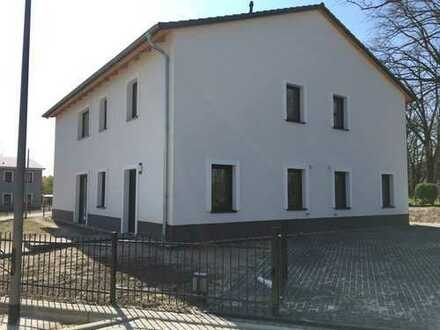 Erstbezug - Luxus Wohnanlage - ruhige Lage - Doppelhaus - große Terrasse