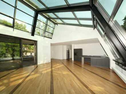 Außergewöhnliche, geräumige und neuwertige 3-Zimmer-Penthouse-Wohnung mit Balkon,EBK in Mainz
