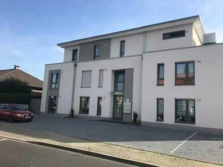 950 €, 105 m², 4 Zimmer
