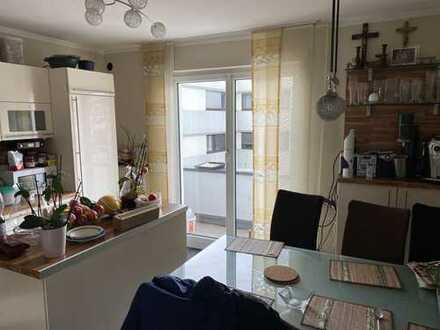 990,00 €, 120 m², 4 Zimmer