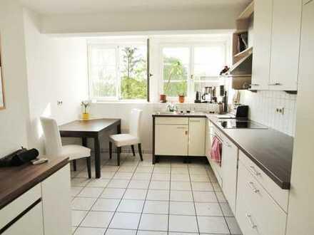 Lichtdurchflutete 2,5-Zimmer-Wohnung mit EBK & Fußbodenheizung in Eppingen-Richen