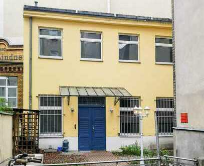 Remise für Individualisten vis-a-vis Riehmers Hofgarten in Kreuzberg