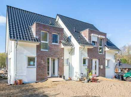 Originalverpackt: Neubau-DHH auf über 280 m² Grundstück im Herzen der Boberger Niederung