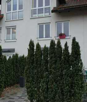 Schönes Reihenhaus mit fünf Zimmern in erster Reihe in Aschheim
