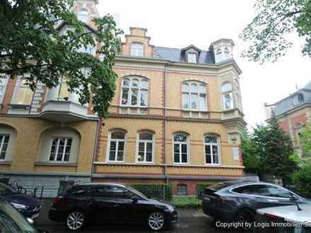 Stilaltbau im Musikerviertel! Großzügige und modernisierte Drei-Zimmer-Wohnung mit zwei Bädern