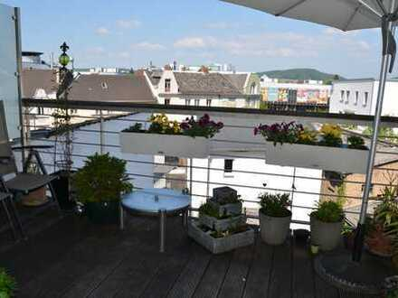 Godesb/direkte Citylage: hochwertig ausgestattete 3,5-Zi-Altbau mit Dachterrasse + nagelneue EBKüche