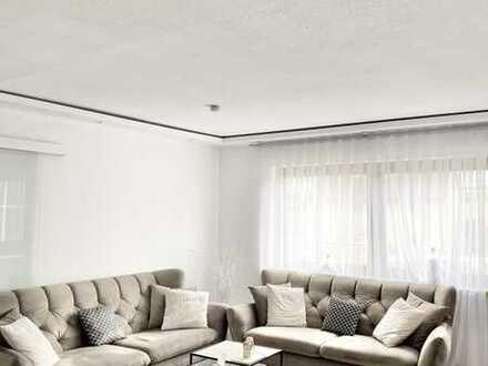 Wie neu! Großzügige helle 4-Zimmer-Wohnung mit Balkon