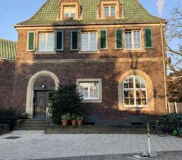 4-Zimmer Altbau Maisonette Wohnung in Oberkassel