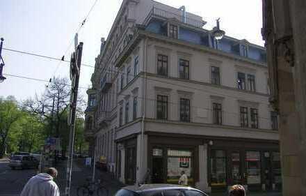 Uni Nähe / großzügige 1 Zimmer Wohnung mit Parkett, EBK zu vermieten