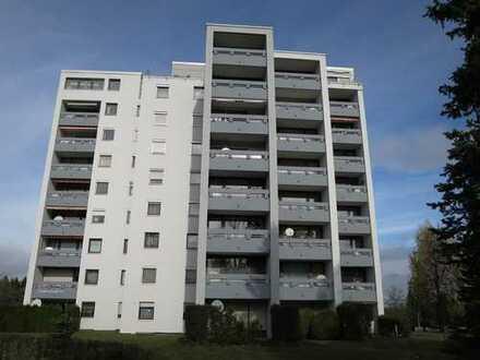 Helle 4,5-Zimmer-Wohnung inkl. Garage, Balkon und EBK in der Stadt Rosenfeld