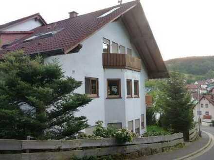 GANESHA-IMMOBILIEN...zwei-Zimmer-Wohnung in ruhiger Wohnlage zu vermieten !