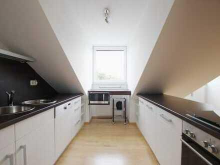 Schöne, helle Dachgeschosswohnung in Milbertshofen