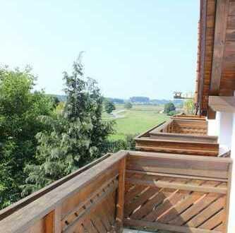 Geltendorf/S4-Freier Blick!Attraktive u. großzügige 3-Zi.-Dachatelierwohnung mit 2 sonnigen Balkonen