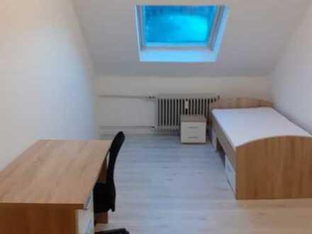 Saniertes+Möbliertes Einzelzimmer in 5er WG in 76131 Karlsruhe