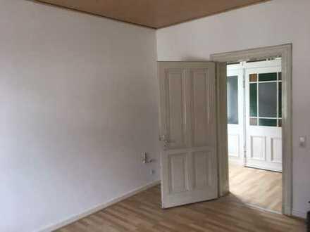 Erstbezug nach Sanierung: preiswerte 4-Zimmer-Wohnung, Küche, Bad mit Balkon in Gevelsberg