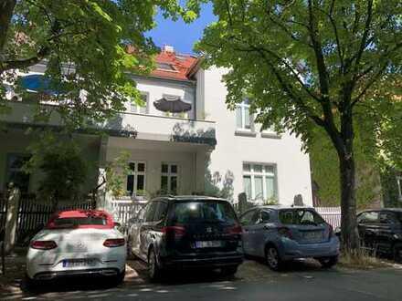 Helle Maisonette mit Süd-Loggia und Galerie, 3,5 Zi mit Einbauküche, in 3 Fam Haus, bei Prinzenpark