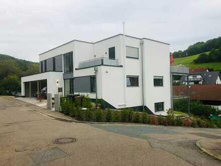 Erstbezug mit Balkon: schöne 3,5-Zimmer-Wohnung in Gorxheimertal