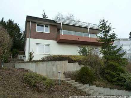 Freihstehendes Einfamilienhaus in Hanglage mit unverbaubarem Blick in Leonberg