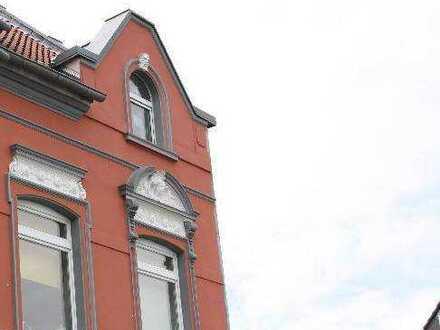 Stolzes Solitärgebäude mit 9 Wohnungen und Ausbaupotential