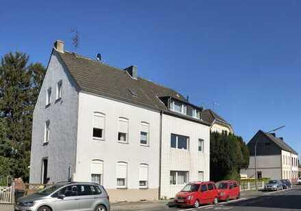 Dreifamilienhaus mit Stellplatz und großem Garten - 1.OG frei