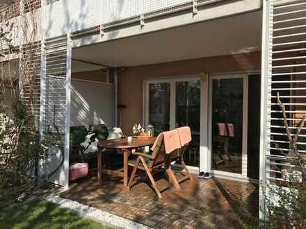 """Sonnige 4-Zimmer-Maisonette-Wohnung mit Garten, Balkon und EBK in Schwabing-West (""""Ackermannbogen"""")"""