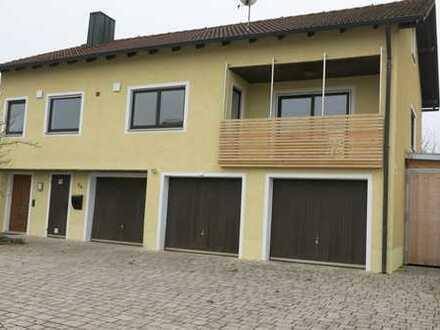 Renovierte 2,5-Zimmer-Wohnung mit Balkon und EBK in Ursensollen / Haag