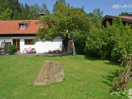 Wohnen wie im Urlaub - romantischer Bungalow mit ausgebautem Dachgeschoss