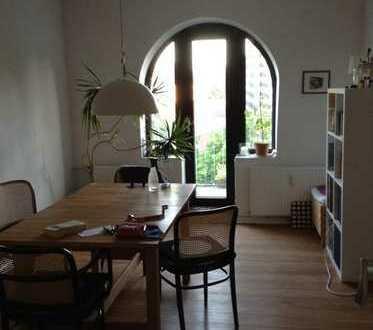 Schöne 3,5-Zimmer-Dachgeschosswohnung mit Balkon und EBK in Flensburg