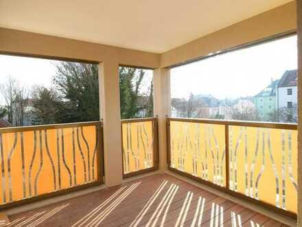 Exklusive, geräumige 2-Zimmer-Wohnung mit Balkon und Einbauküche in Landshut
