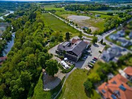 EINZIGARTIG & EINDRUCKSVOLL - 10.000 m² unverbaubarer Blick auf die längste Burg der Welt!