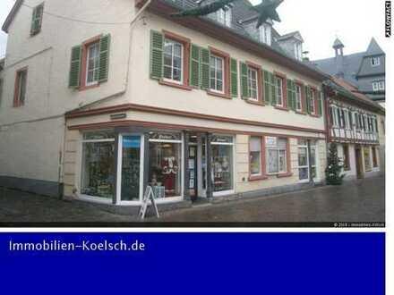 Großes Ensemble in Meisenheims Altstadt. 2 Wohn- und Geschäftshäuser mit ehem. Druckerei