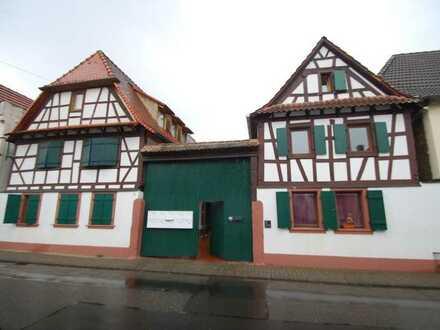 Fachwerkhaus mit 6 Zimmern in Neustadt an der Weinstraße, Lachen-Speyerdorf