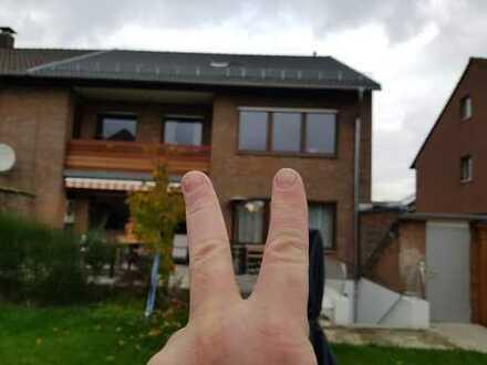 Vollständig renovierte 3-Zimmer-Wohnung mit kleinem Balkon in Hürth