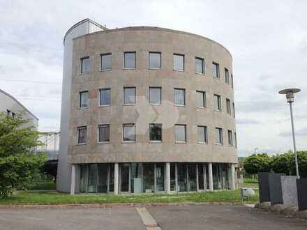 10.000-30.000 m² Neubau Lager- und Produktionshallen / Direkt BAB 70