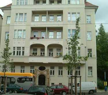 Sanierte 4-Raumwohnung in exponierter Lage mit 2 Balkonen