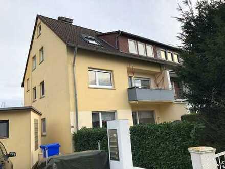 Renovierte 2-Zimmerwohnung in 3-Familienhaus in Rosbach vor der Höhe