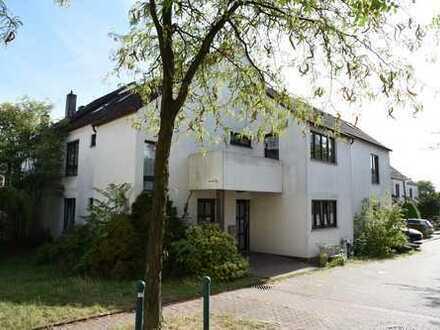 Erstbezug nach Sanierung mit Balkon: schöne 5-Zimmer-Wohnung in Wuppertal