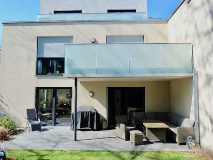 Stadtnahes Wohnen im Grünen: Exklusive 4-Zimmer-Gartenwohnung in Toplage