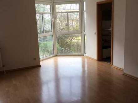 Schöner Wohnen in Fürth Nähe Stadtpark ! Schicke 2-Zimmer-Wohnung mit Einbauküche