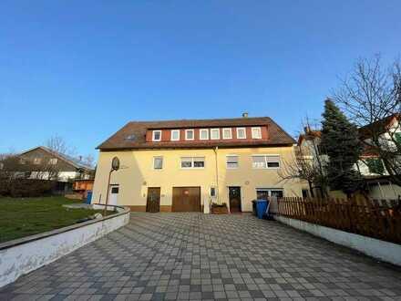 4-Familienhaus mit ca. 5% Mietrendite - renoviert - Balkone - Garage - Stellplätze