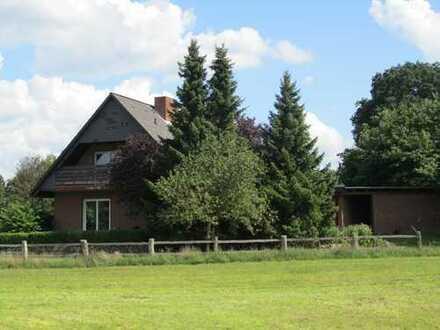 Einfamilienhaus auf dem Land - Blick ins Grüne