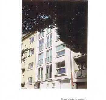 Neuwertige 4-Zimmer-Wohnung mit Balkon in Aachen