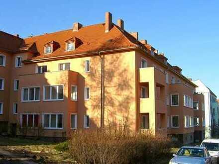 Großzügige Zweiraumwohnung mit Balkon in ruhiger Lage